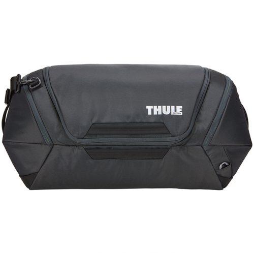 Un espacioso bolso de viaje, ideal para viajes cortos o extensos.